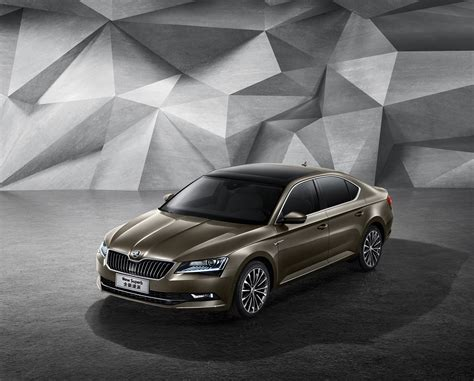 Skoda Launches New Superb in China, Wants to Sell 500,000 ...