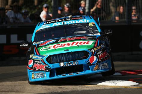 Winterbottom Wins 2015 V8 Supercars Drivers Championship