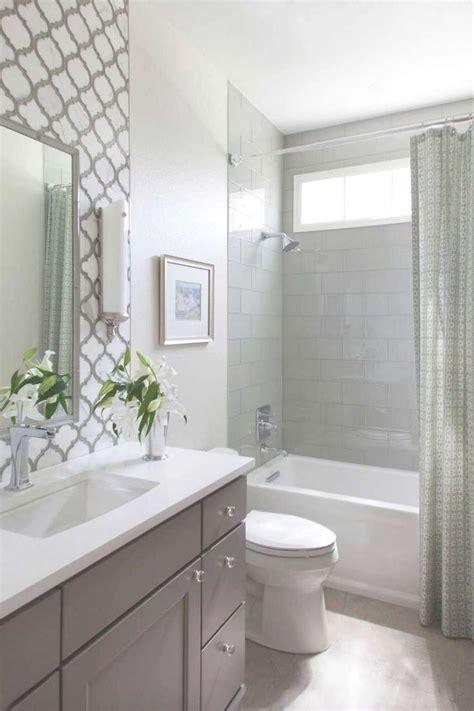 stunning farmhouse small bathroom decorating ideas 15