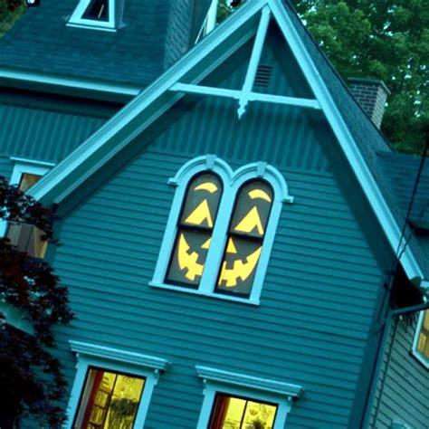 ideas    decorate  windows  paper cutouts
