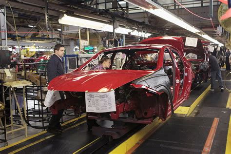 Chrysler Plant Belvidere by Chrysler Ceo Sergio Marchionne And Il Gov Quinn Tour