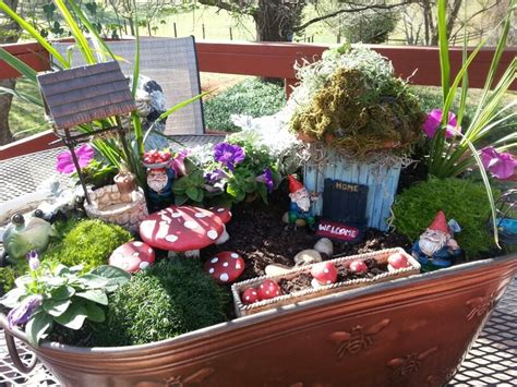 1000 images about gardens on fairies garden flower bed decor and fairies