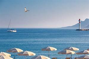 Restaurant la plage privée Restaurants et bars Le Gray d'Albion, Cannes Hôtels Barrière