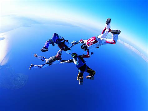 Parachute Dive by Wallpapers Skydiving