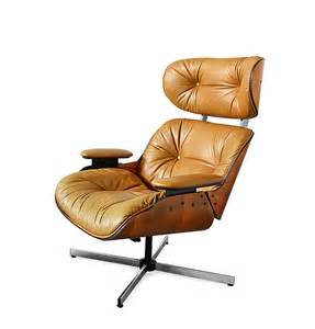 mid century modern eames lounge chair by selig urban