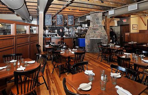 A Portland, Maine Seafood Restaurant For Every Occasion