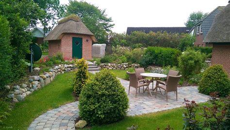 Garten Zwei Ebenen by Garten Mit Gepflastertem Sitzplatz Zwei Ebenen