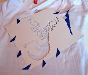 T Shirt Bemalen Schablone : diy t shirts bemalen drei techniken mit und ohne schablone ~ Frokenaadalensverden.com Haus und Dekorationen