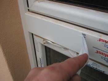 Kunststoff Fensterrahmen Reinigen Klebereste Reparatur