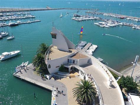 pays vidourle camargue port camargue premier port de plaisance europ 233 en