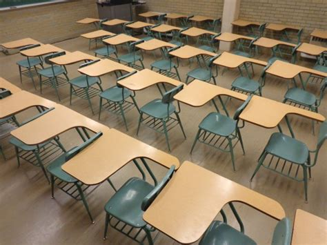 school classroom with empty desks picture free