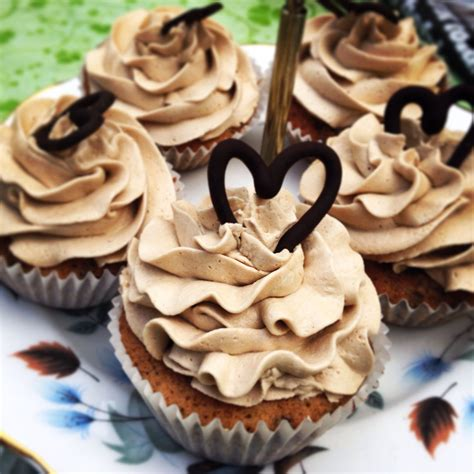 Everyone needs an easy chocolate cupcake recipe that's quick to prepare for birthdays, parties and bake sales. Caramel coffee and chocolate cupcakes   Baking, Sweet treats, Desserts