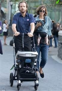 Peter Sarsgaard visited by wife Maggie Gyllenhaal and ...