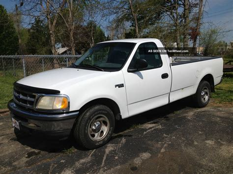 1997 Ford F  150 Xl Standard Cab Pickup 2  Door 4 6l