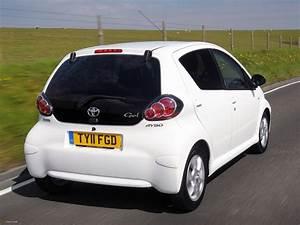 Toyota Aygo 2008 : toyota aygo 5 door uk spec 2008 12 photos 2048x1536 ~ Medecine-chirurgie-esthetiques.com Avis de Voitures