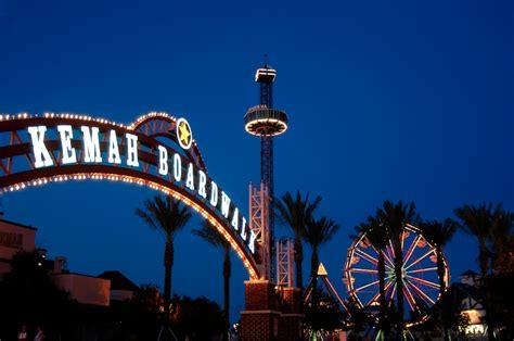 Boat Show Near Houston by Kemah Boardwalk Rides Restaurants 365 Things To Do In