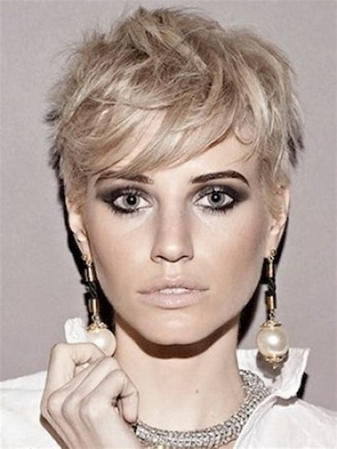 chic short haircuts  women