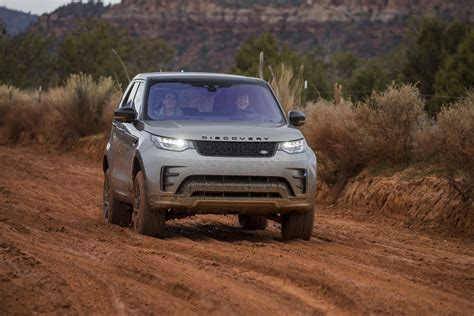 land rover off road 2017 land rover discovery off road 62 motor trend