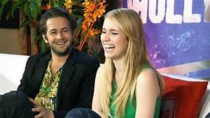 Emma Roberts & Michael Angarano: Fashion Police - YouTube