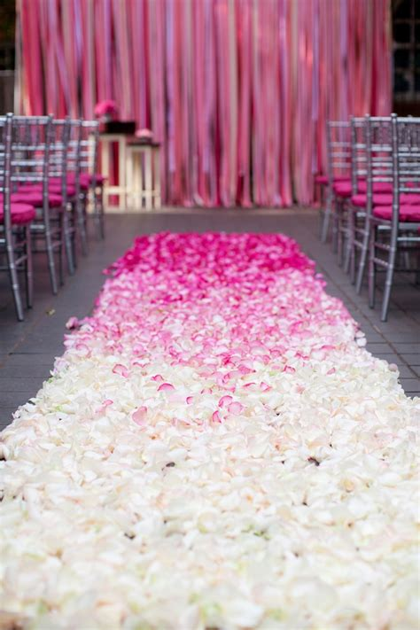 Ombre Aisle Art Mixed Pink Rose Petals Design For
