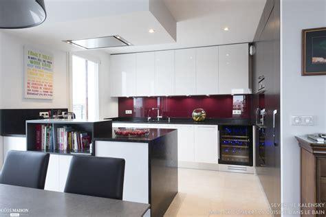 concept cuisine cuisine ouverte sur salle a manger et salon avec îlot sk concept côté maison