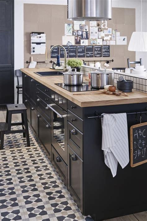 et decoration cuisine 17 meilleures idées à propos de cuisines noires sur