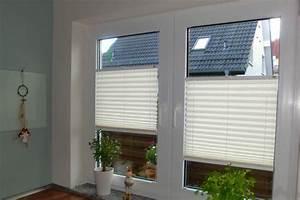 Plissee Im Fensterrahmen : rasche plissee montage ohne bohren per klemmen oder kleben ~ Michelbontemps.com Haus und Dekorationen