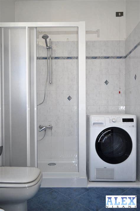 da vasca  doccia soluzione  alloggio lavatrice