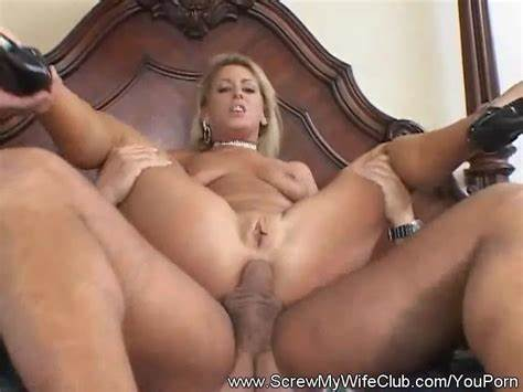 Super Charming Teenage Swallows Creampie