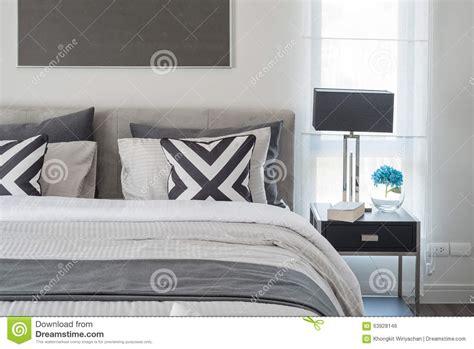 chambre et noir style moderne noir et blanc de chambre à coucher avec la