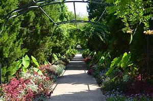 Cheekwood botanical garden and museum of art happily for Nashville botanical gardens