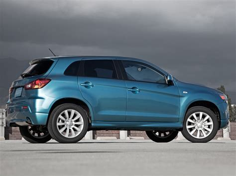 2011 MITSUBISHI CUV japanese car photos | Accident lawyers