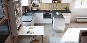 Moderne Küchen Für Kleine Räume : 6 s moderne k chen f r kleine r ume at k che ideen ~ Frokenaadalensverden.com Haus und Dekorationen