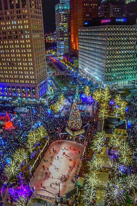 tree lighting ceremony detroit 2017 wordless wednesday christmas in detroit single in detroit