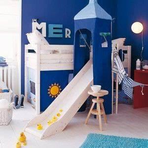 Lit Pour Enfant De 2 Ans : des lits cabanes pour les enfants pla net d co ~ Teatrodelosmanantiales.com Idées de Décoration