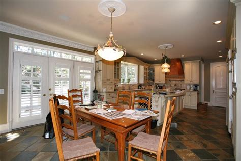 Oakville Homes for Sale: Staging your Oakville home to sell.