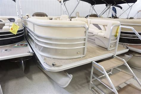 Craigslist Fort Wayne Pontoon Boats by Pontoon New And Used Boats For Sale In Indiana