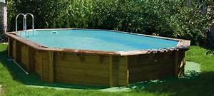 Piscine Bois Semi Enterrée : les piscines en bois essence traitement et entretien ~ Melissatoandfro.com Idées de Décoration