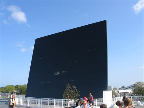 File:Amf space mirror.jpg - Wikimedia Commons