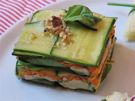 cuisiner une grosse courgette une assiette printanière mille feuilles de légumes