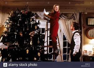 THE WAR OF THE ROSES (1989) KATHLEEN TURNER, MICHAEL ...