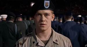 Hollywood Billy Lynn's Long Halftime Walk Movie Review ...