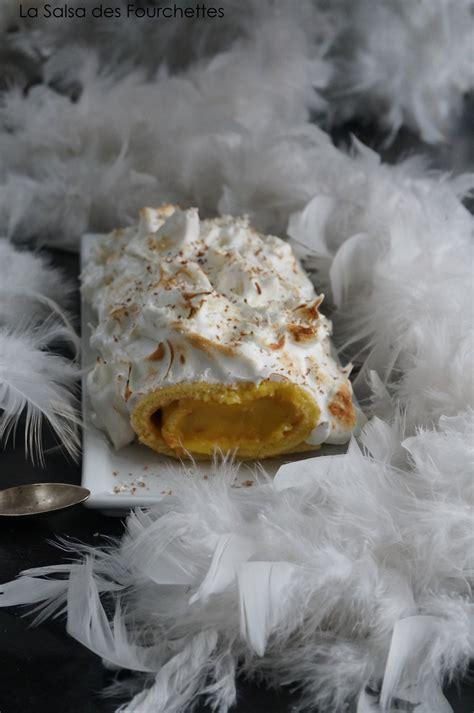 hervé cuisine buche de noel buche de noël façon tarte au citron meringuée la salsa