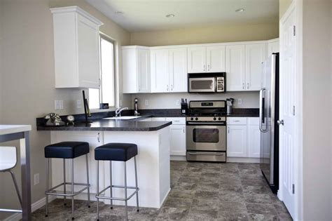 Kitchen Floors And Countertops by Black Laminate Kitchen Flooring For Home