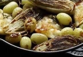 cuisiner des cuisses de canard recette cocotte en fonte et plat en mini cocotte individuelle
