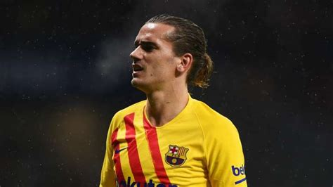 Antoine griezmann hair, antoine griezmann hairstyle bleached hair best football player haircut mens football player hair inspiration! Griezmann Long Hair : How Long Does It Take To Grow Something Like This Fierceflow - You have ...