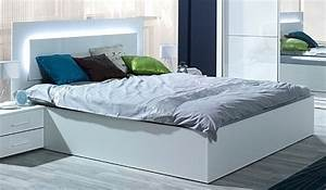 Bett Mit Licht : schlafzimmer wei komplett in hochglanz siena m bel f r dich online shop ~ Frokenaadalensverden.com Haus und Dekorationen