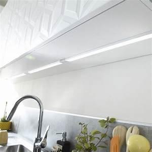 trendy eclairage cuisine et dressing with luminaire leroy With carrelage adhesif salle de bain avec applique exterieur led avec detecteur de mouvement solaire