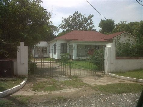 house for sale in molynes gardens kingston st andrew