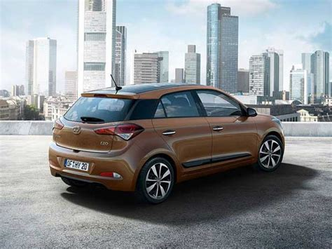2016 Hyundai i20, i20 Active Gets Dual Airbags As Standard